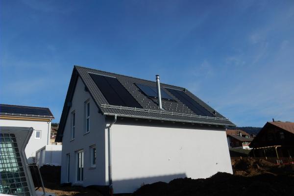 photovoltaikanlage-1b-mont-la-villeAEAE1881-8EF8-D440-DAC3-7D1E9F00E880.png